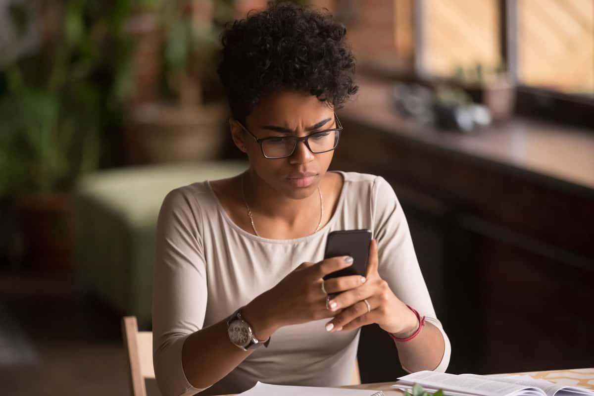 Woman receives a suspicious SMSishing text